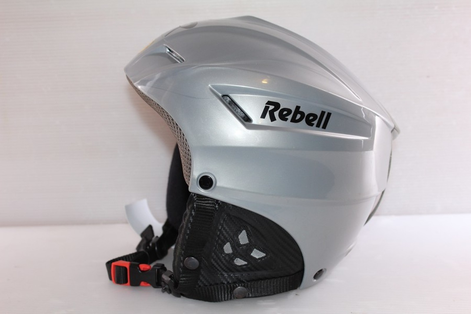 Lyžařská helma Rebell Rebell vel. 58