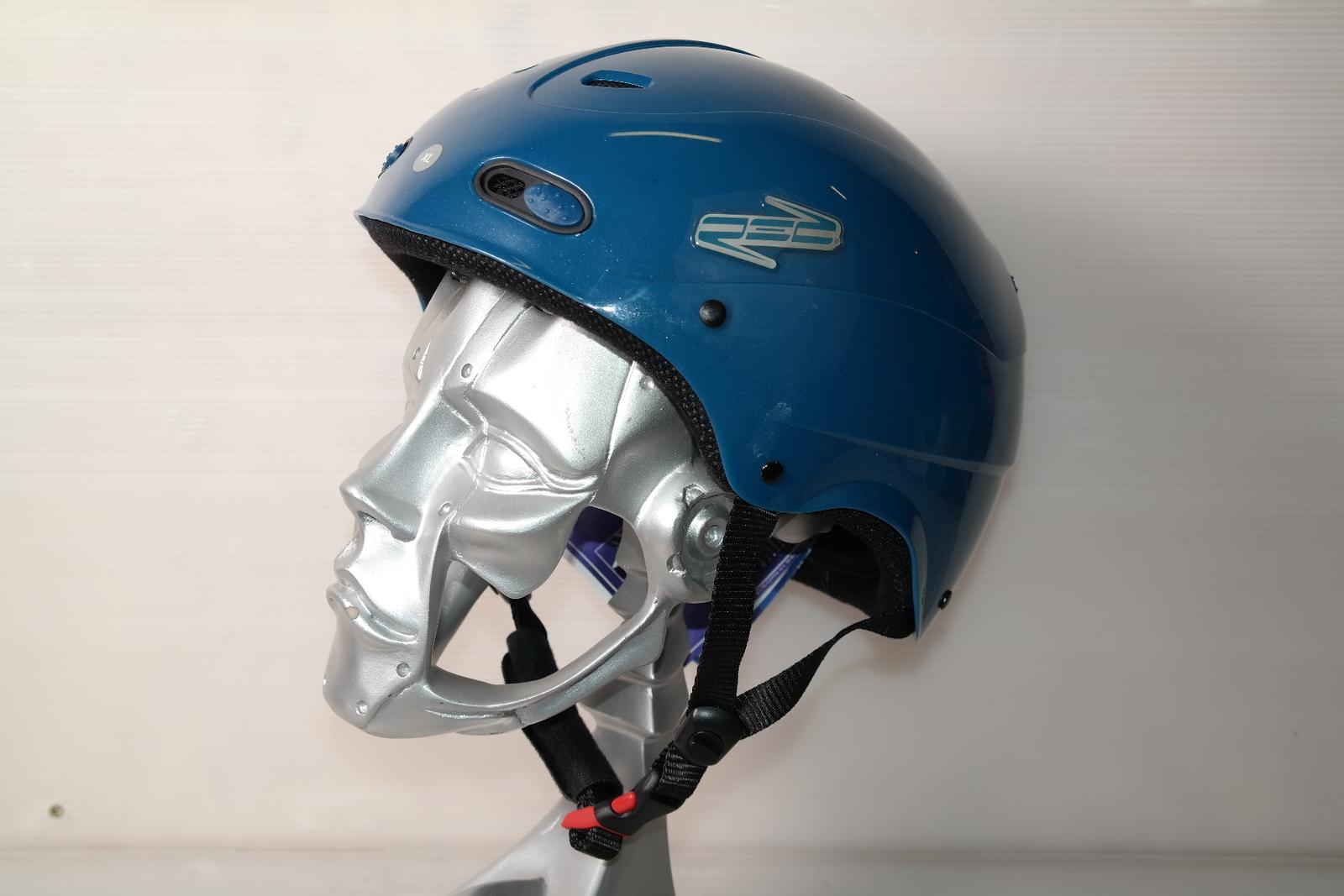 Lyžařská helma Red Decaff Blue vel. 60