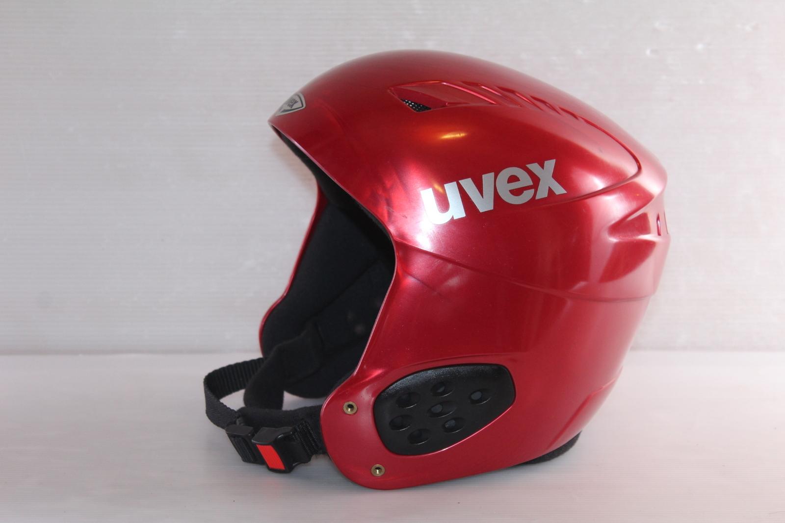 Lyžařská helma Uvex  vel. 62