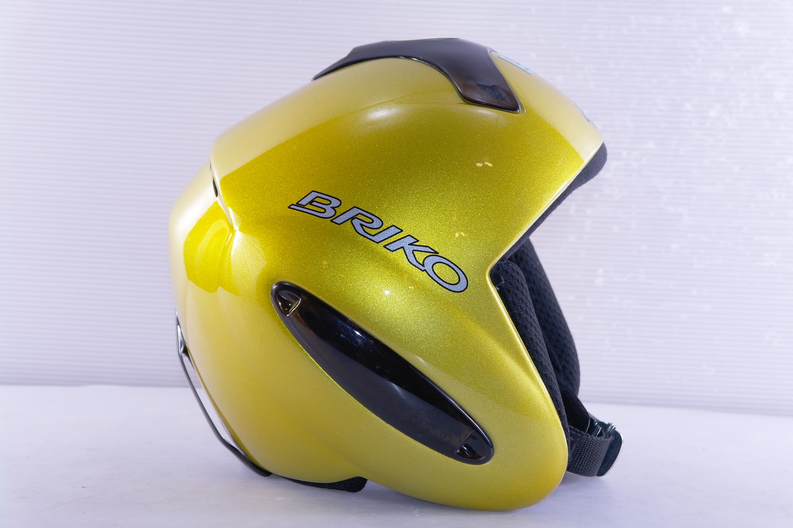 Dámská lyžařská helma Briko Forerunner vel. 56