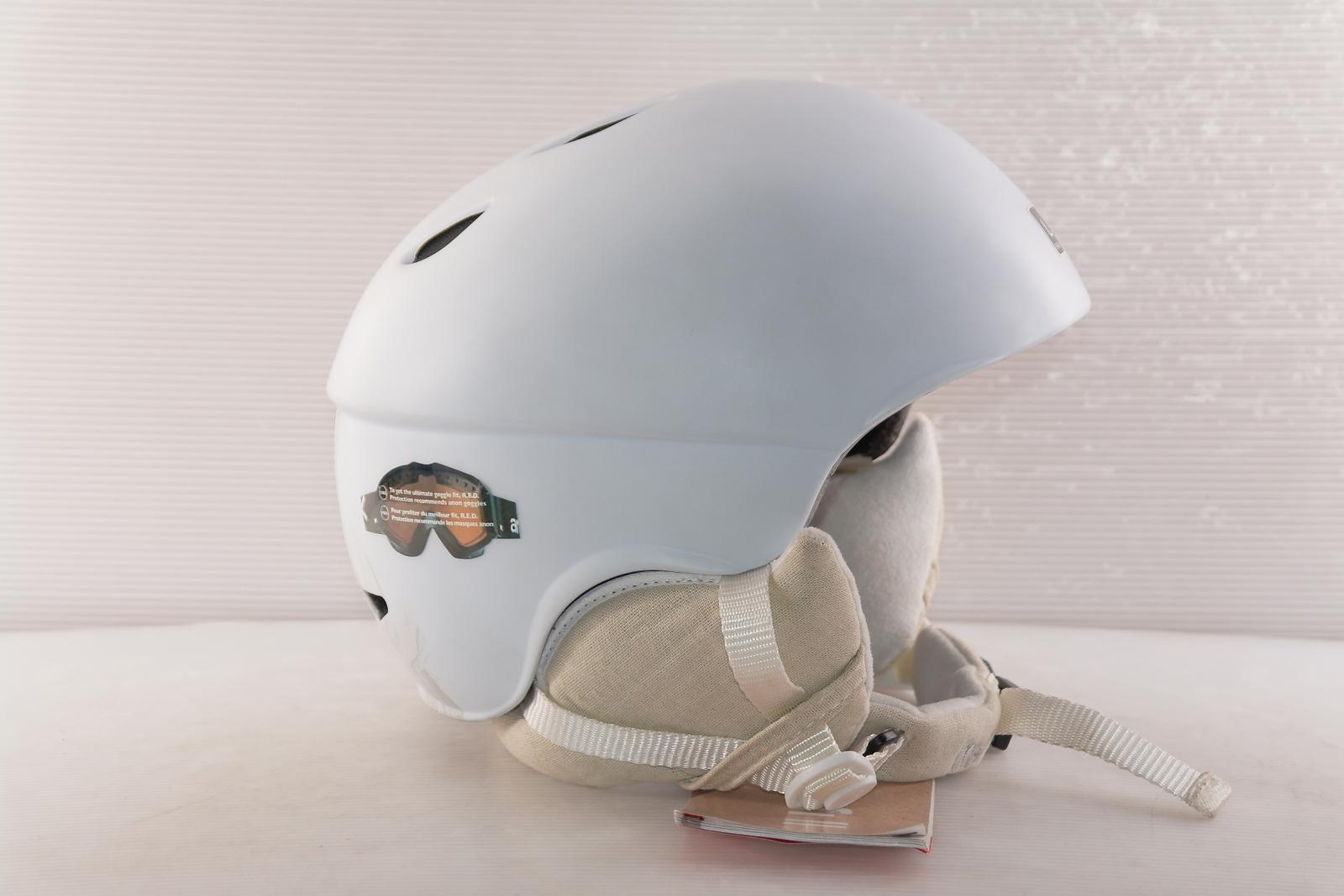 Dámská lyžařská helma Red Hi-fi vel. 60