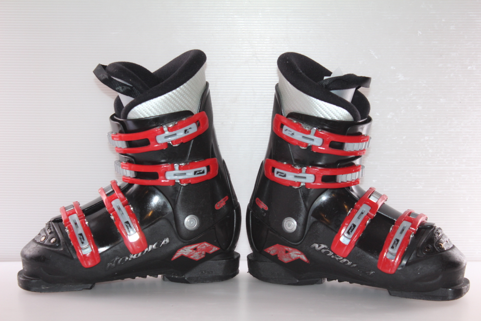 Dětské lyžáky Nordica GP TJ vel. EU36. skladem 4b71343511