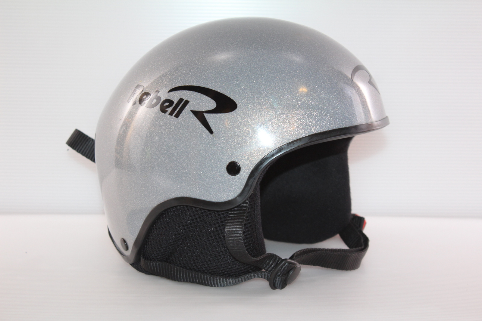 Dětská lyžařská helma Rebel  vel. 61