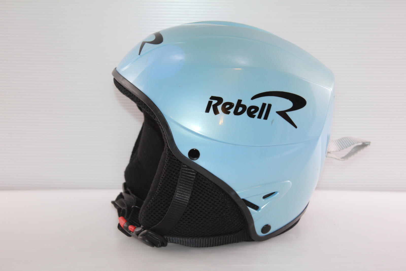 Dětská lyžařská helma Rebel  vel. 56