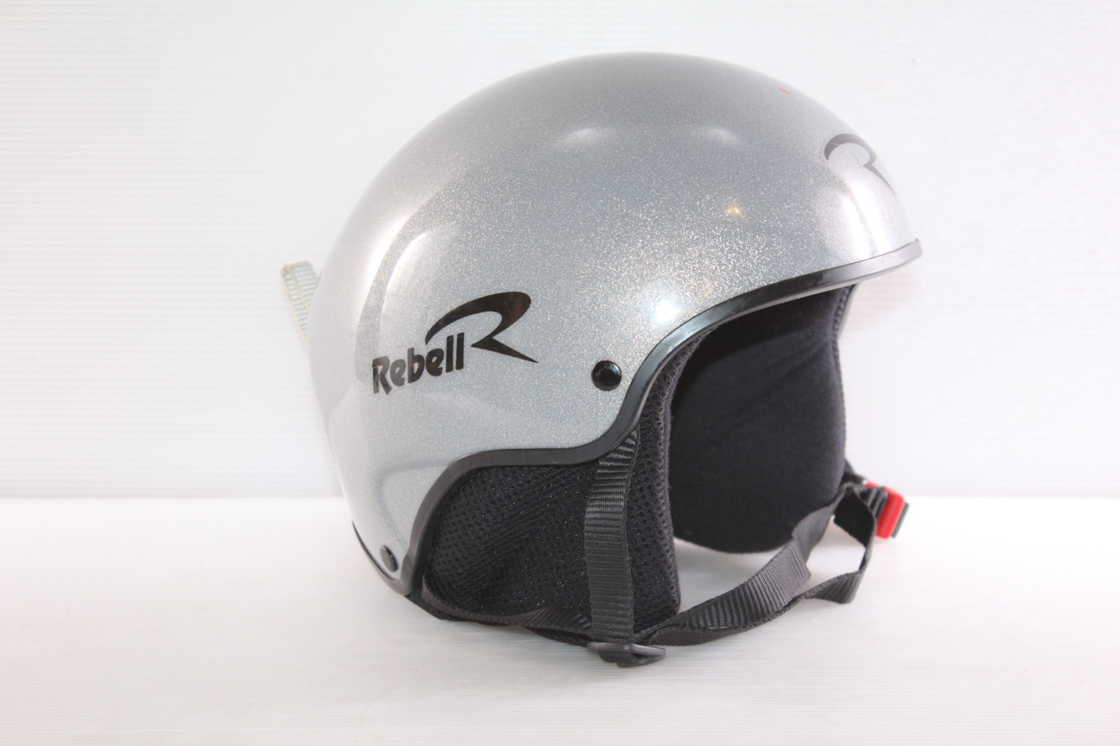 Lyžařská helma Rebel Rebell vel. 58