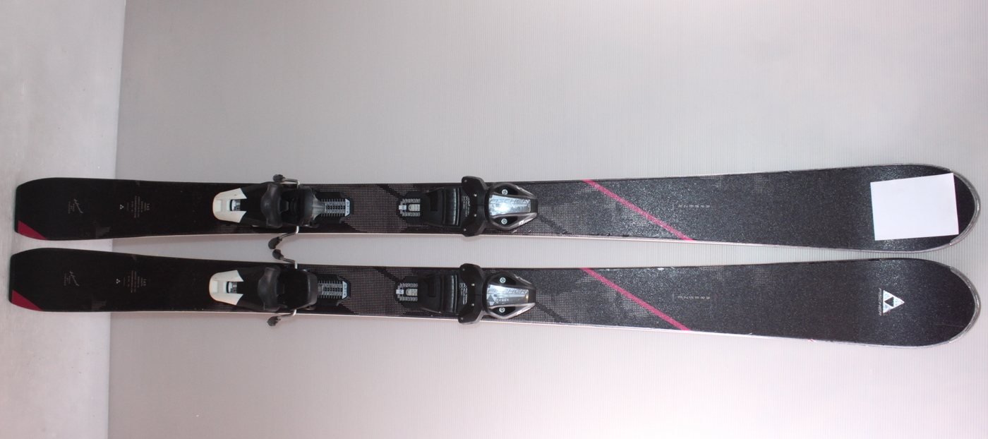 Dámské lyže FISCHER BREEZE 145cm rok 2017