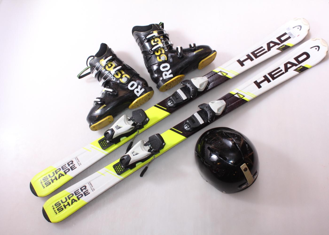 Dětské lyže HEAD SUPERSHAPE TEAM 137 cm + lyžáky  39EU + helma